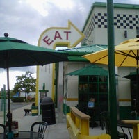 Photo taken at Quaker Steak & Lube® by Chuck G. on 8/19/2012