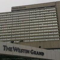 Das Foto wurde bei The Westin Grand München von Felix H. am 4/18/2012 aufgenommen