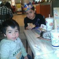 Foto tomada en Burger King por Nicoll O. el 8/12/2012