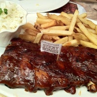 Photo taken at Morganfield's by Stanley I. on 6/6/2012