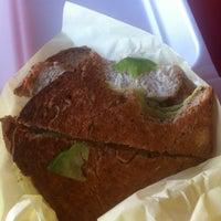 Foto tirada no(a) Mix Salads por Luis em 7/17/2012