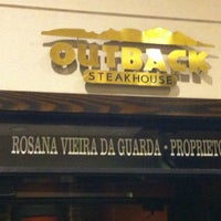 Photo taken at Outback Steakhouse by Fábio H. on 7/14/2012