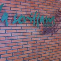 Foto scattata a La Sevillana Gourmet Café da Mily S. il 4/5/2012