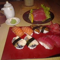 Photo taken at Sumo Sushi by Grace S. on 5/24/2012