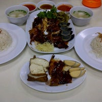 Photo taken at Bubur Ayam Mangga Besar 1 by Linda F. on 9/8/2012