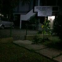 Photo taken at SMA Negeri 11 Bandung by Ibnu M. on 5/24/2012