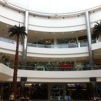 Foto tomada en Galerías Guadalajara por Oasisantonio el 6/18/2012