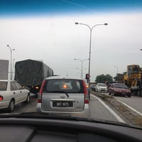 Photo taken at Traffic Light Jalan Salleh by Law J. on 5/7/2012