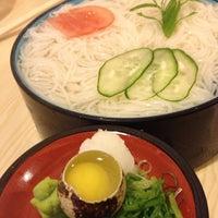 Photo taken at Sushi Yassu by Regina A. on 8/5/2012