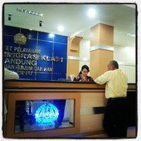 Photo taken at Kantor Imigrasi Kelas I Bandung by Masamu K. on 6/15/2012