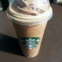 Снимок сделан в Starbucks пользователем April S. 5/12/2012