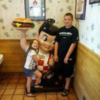 Photo taken at Big Boy by Erica B. on 6/19/2012