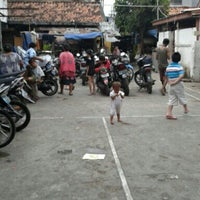 Das Foto wurde bei lapangan grindo von Hadi B. am 7/28/2012 aufgenommen