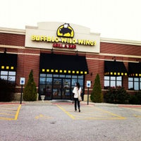 Photo taken at Buffalo Wild Wings by Jacob G. on 8/12/2012