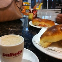 Photo taken at Cafeteria Palheta by Dyorgio N. on 5/11/2012