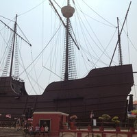 Photo taken at Kompleks Muzium Maritim (Samudera / Flor de La Mar) by Snook Y. on 8/18/2012