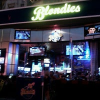 Photo prise au Blondies Sports Bar & Grill par Szoke S. le8/5/2012