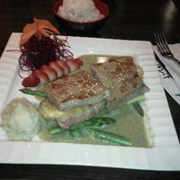 Photo taken at Ginza Japanese Restaurant by David F. on 7/3/2012