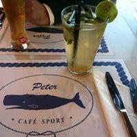 Foto tirada no(a) Peter Café Sport por Catarina R. em 5/20/2012