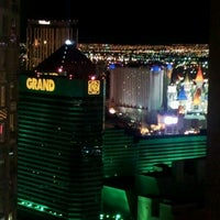 Photo taken at The Signature at MGM Grand by Daithi G. on 2/17/2012