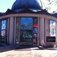 3/11/2012 tarihinde Lianne F.ziyaretçi tarafından S. Dillon Ripley Center'de çekilen fotoğraf