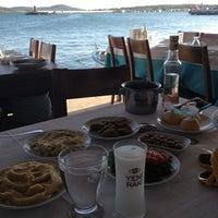 6/30/2012 tarihinde Müjde U.ziyaretçi tarafından Cunda Sahil Restaurant'de çekilen fotoğraf