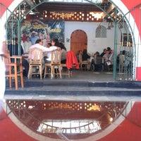Foto tomada en La Olla De Juanita por Fred H. el 7/28/2012
