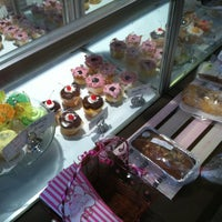 Photo taken at Sweet Peaks Cupcakery by Steve M. on 6/9/2012