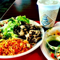 Foto tomada en California Burrito Express por Taylor C. el 3/12/2012