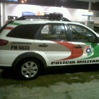 Photo taken at Auto Posto Leão do Trevo by Ramon A. on 7/27/2012