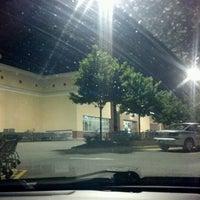 Das Foto wurde bei Walmart Supercenter von Erika P. am 6/15/2012 aufgenommen
