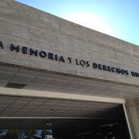 Foto tomada en Museo de la Memoria y los Derechos Humanos por Andrés David A. el 4/7/2012
