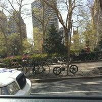 Foto tomada en Rittenhouse Square Fountain por Asia S. el 3/30/2012