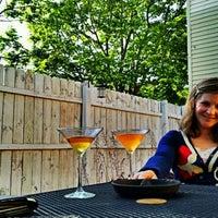 5/22/2012 tarihinde Andrew V.ziyaretçi tarafından Weegee's Lounge'de çekilen fotoğraf