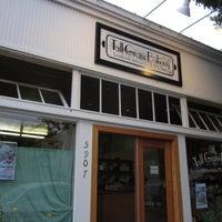 Foto tirada no(a) Tall Grass Bakery por Robby D. em 7/27/2012