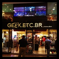 Photo taken at Geek.Etc.Br by Charline M. on 4/26/2012