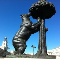 Photo taken at Estatua del Oso y el Madroño by xsomemosx on 8/26/2012