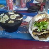 Foto tirada no(a) Sky's Burger por Thiago O. em 6/2/2012