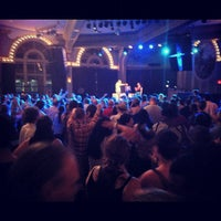 Photo prise au Crystal Ballroom par C.C. C. le7/9/2012