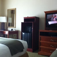 Photo taken at Holiday Inn Express & Suites Hagerstown by Eleandro P. on 5/12/2012