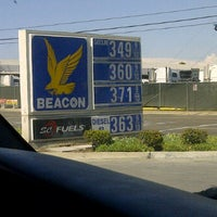Photo taken at Beacon Gasoline by Brigette on 7/15/2012