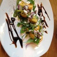Das Foto wurde bei South Congress Cafe von Yuuka am 8/11/2012 aufgenommen