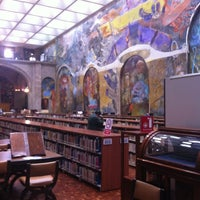 Foto tomada en Biblioteca Miguel Lerdo de Tejada por Sandra A. el 7/5/2012