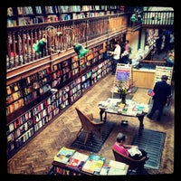 Foto tomada en Daunt Books por Sandra S. el 9/1/2012