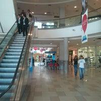 Foto tomada en Mall Plaza Alameda por Gustavo G. el 3/25/2012