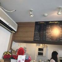 Photo taken at 커피가 by yk c. on 7/8/2012