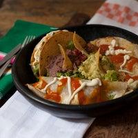 Foto tomada en Restaurante Riviera Maya por Amanda Q. el 9/6/2012
