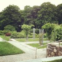 Foto tirada no(a) Arnold Arboretum por Tammy Z. em 7/15/2012