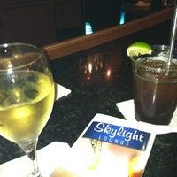 Foto diambil di Skylight Lounge oleh E_bee💋 pada 8/17/2012