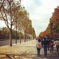 Foto tirada no(a) Jardins des Champs-Élysées por Derrick F. em 9/2/2012